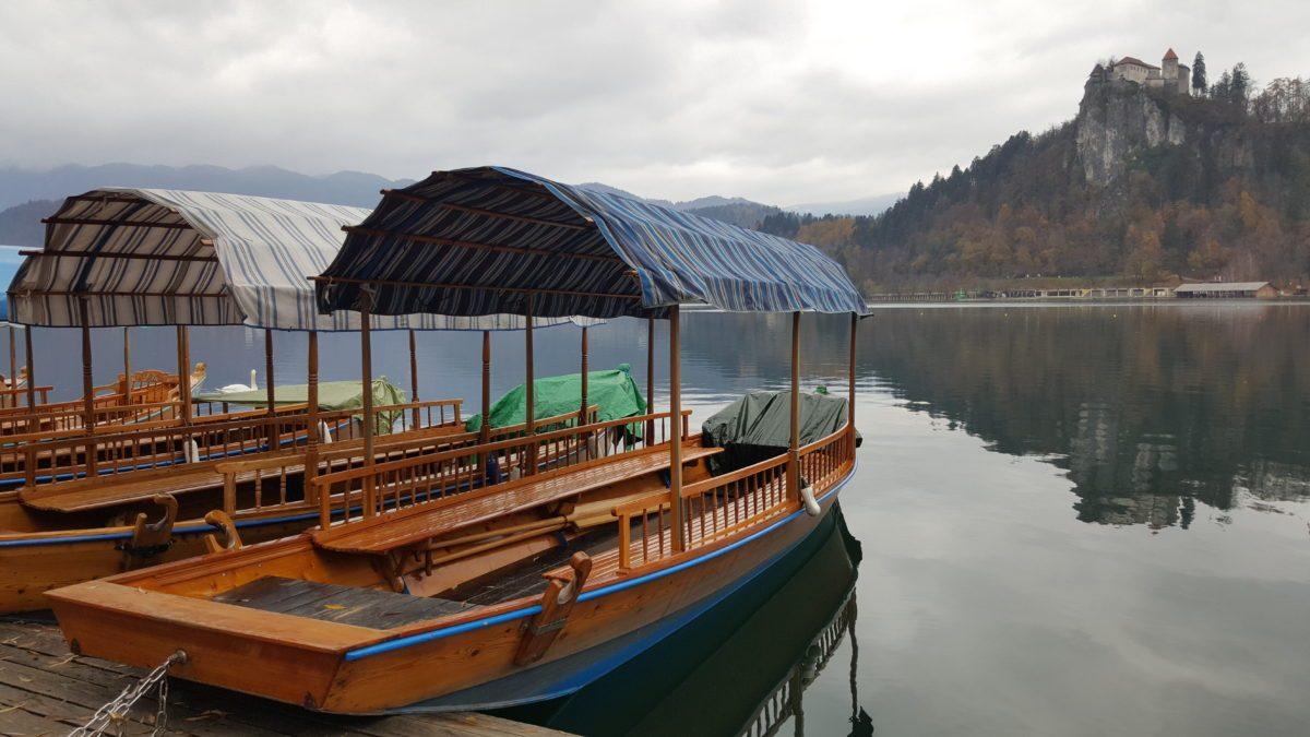 pletna barca Bled Slovenia
