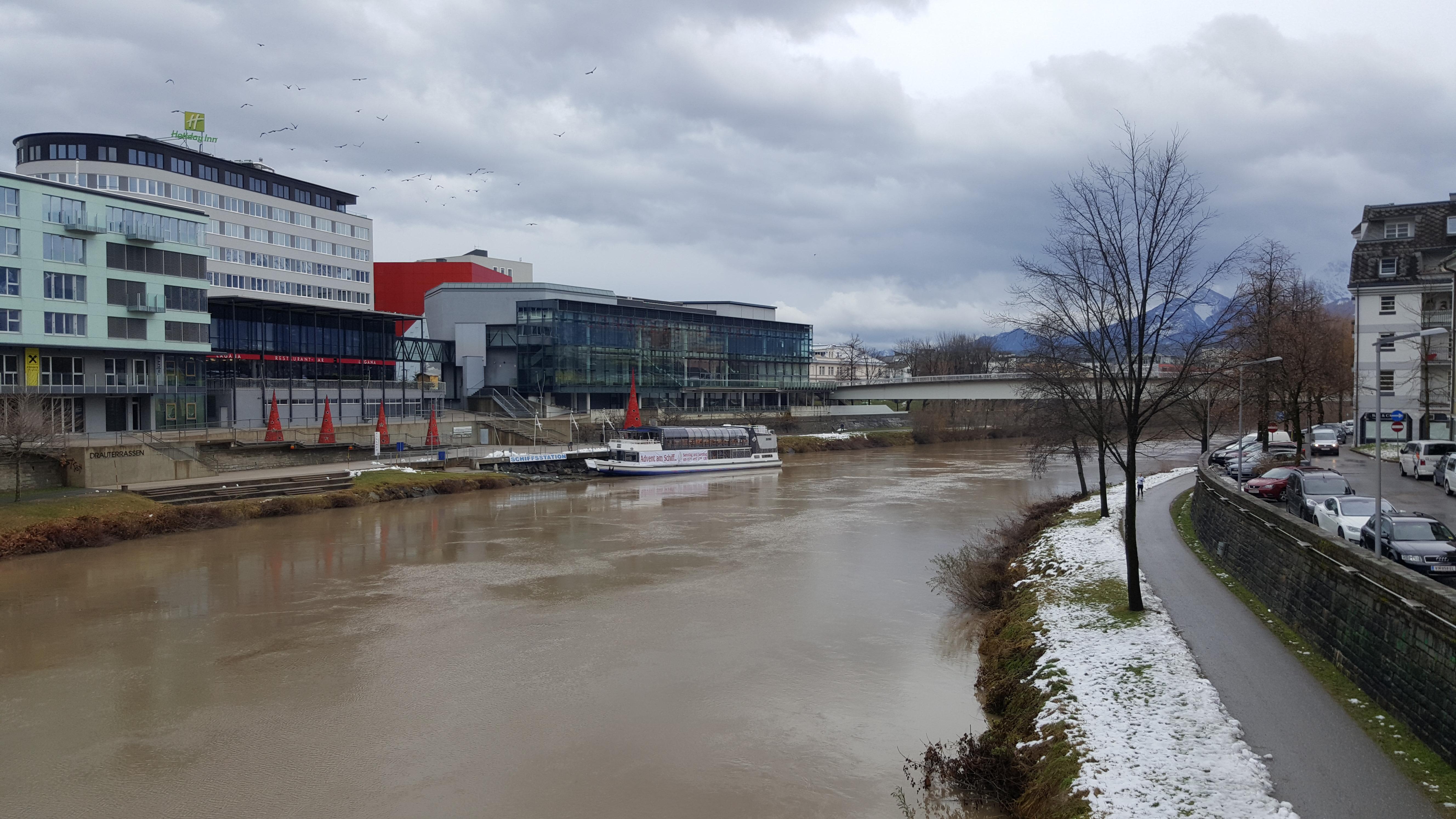 Pista ciclabile fiume cosa fare dove dormire Villach Carinzia Austria