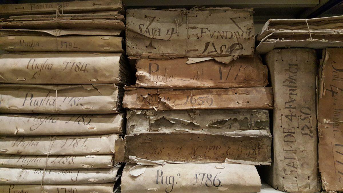 Cosa non perdersi a Napoli Archivio storico del Banco di Napoli, libri touch