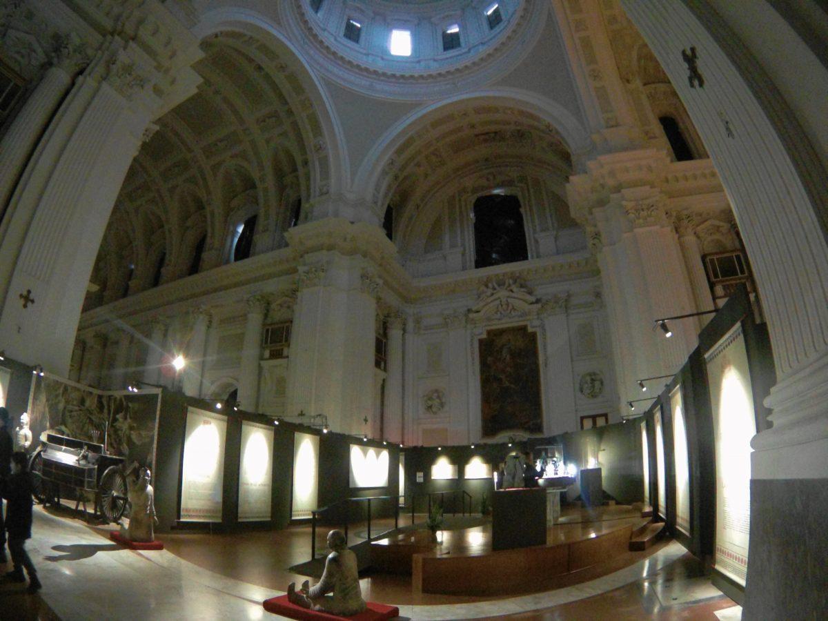 Soldato della mostra dell'esercito di terracotta Napoli Basilica Spirito Santo
