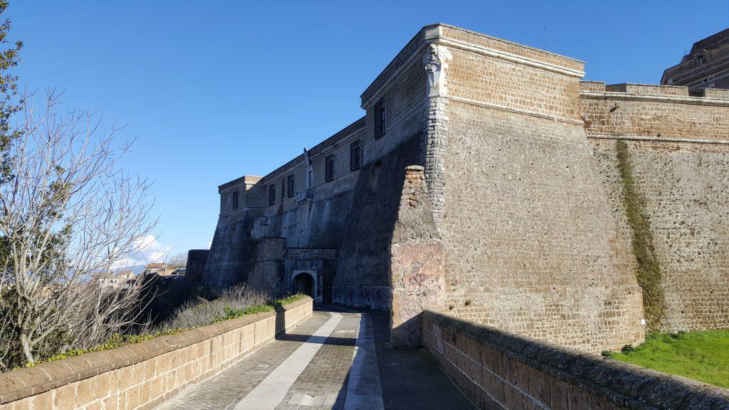 forte sangallo castello roma il Carnevale di Civita Castellana nelle misteriose Terre Falische del Lazio