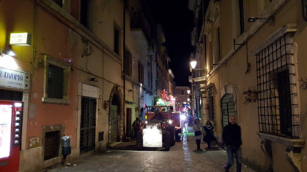 Il Carnevale di Civita Castellana nelle misteriose Terre Falische del Lazio carro Roma