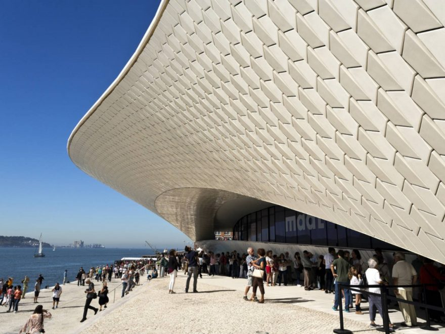 copertina Google Lisbona museo arte contemporanea meteo
