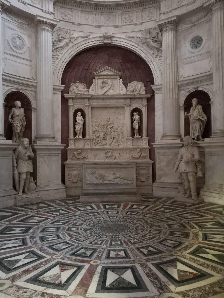 Cappella Caracciolo Vico arte marmo Napoli capolavoro da visitare assolutamente San Giovanni a Carbonara