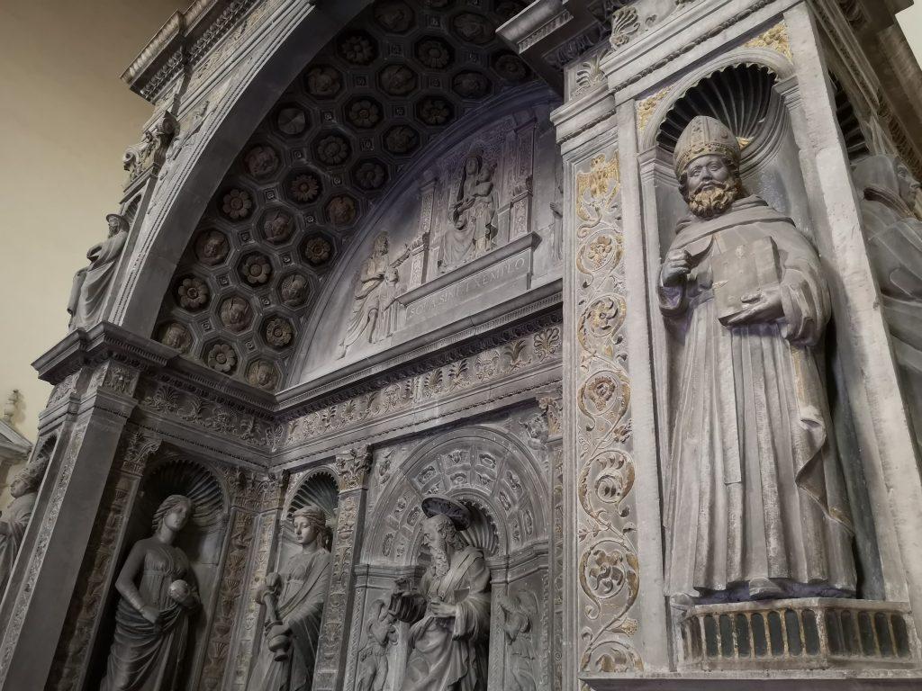 preziosa cappella miroballo san giovanni a carbonara Napoli assolutamente da vedere