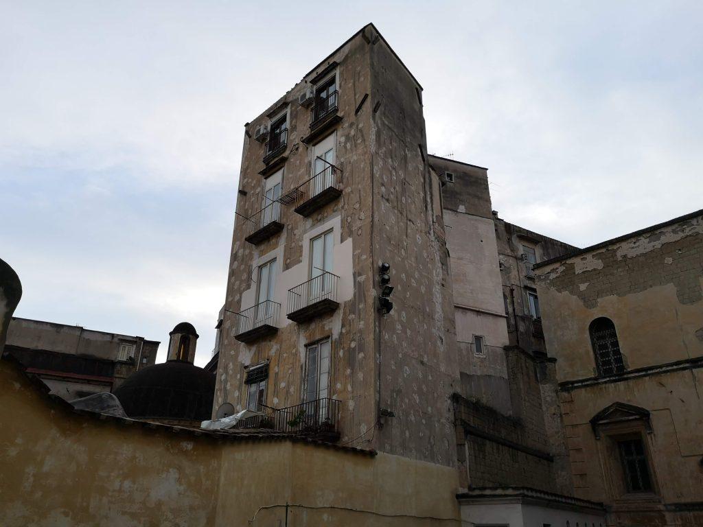 panorama dalla chiesa di San Giovanni a Carbonara assolutamente da vedere Napoli