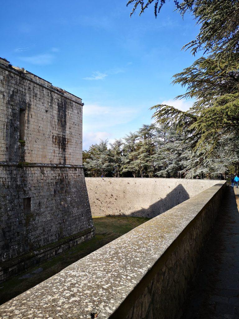 Forte Spagnolo Castello dove andare a camminare L'Aquila Abruzzo Regione #jamolaquila consigli suggerimenti meteo Google hiking trekking