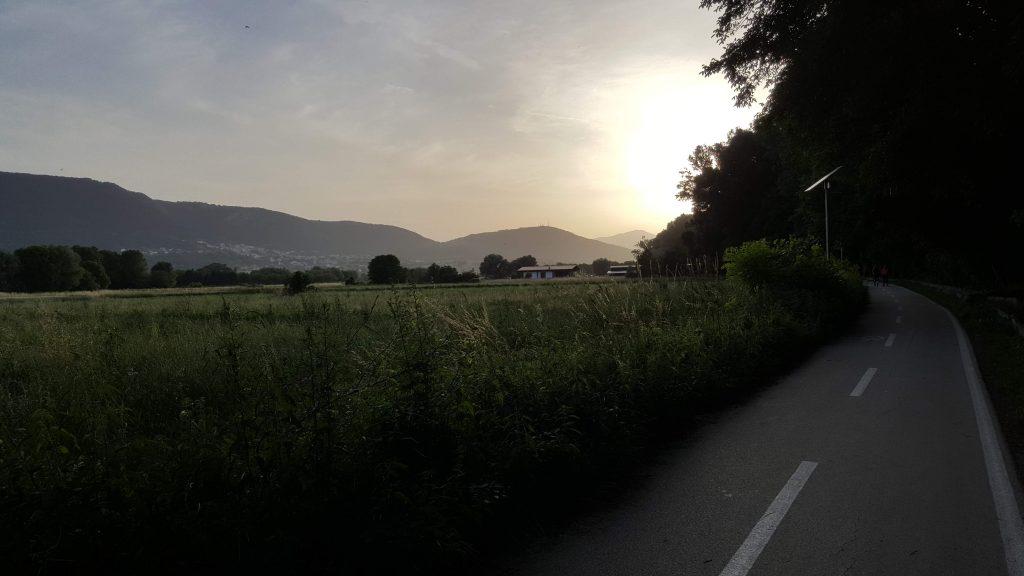 Monticchio tramonto montagne natura Dove andare a camminare L'Aquila Abruzzo Regione #jamolaquila consigli suggerimenti meteo Google hiking trekking